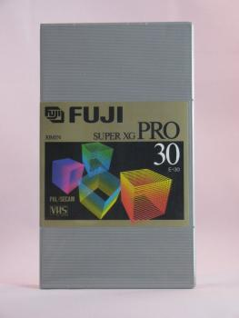 004-992 / FUJI SUPER XG E-30 N VHS Profi Video Kassette HARD BOX NEU